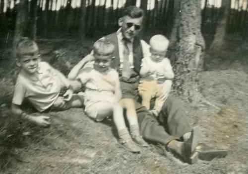 Baby Henk family picnic