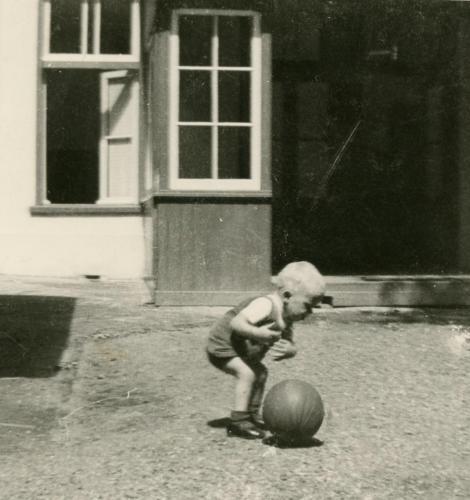 Henk playing ball